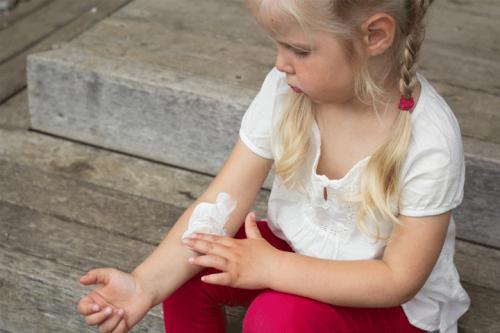 uriage-irritations-cutanées-Prendre-soin-de-la-peau-atopique-de-votre-enfant